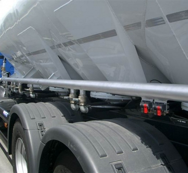 Silo bodies, trailers and semitrailers